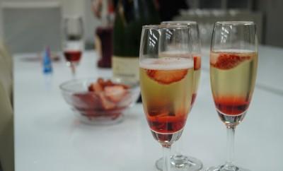 champagne strawberry