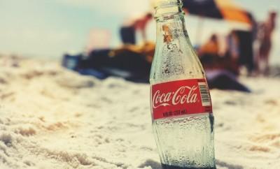 coca cola op het strand