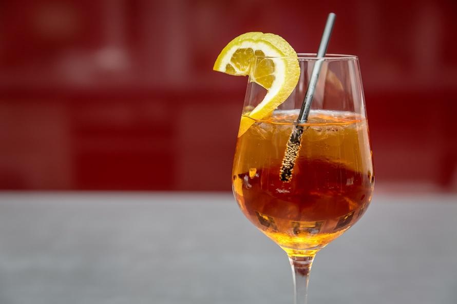 champagne-cocktail-perzik