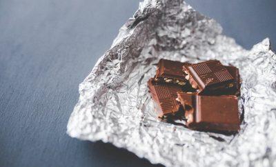 gepersonaliseerde chocolade liggende op de verpakking
