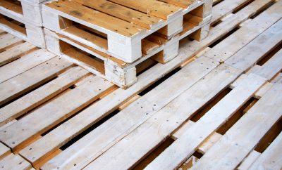 houten pallets die worden gebruikt voor in huis