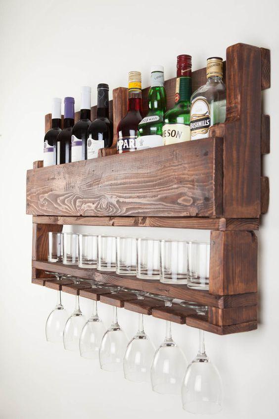 wijnrek gemaakt van houten pallets