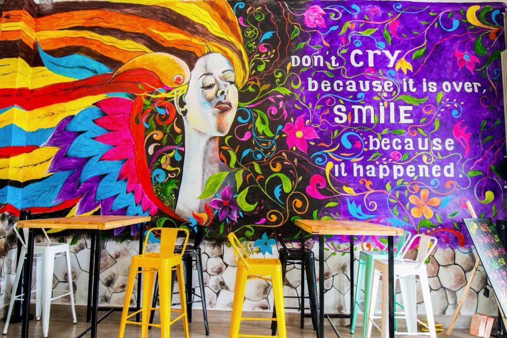 Kleurrijke muurschildering