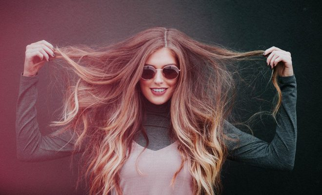 stralend haar in de zomer